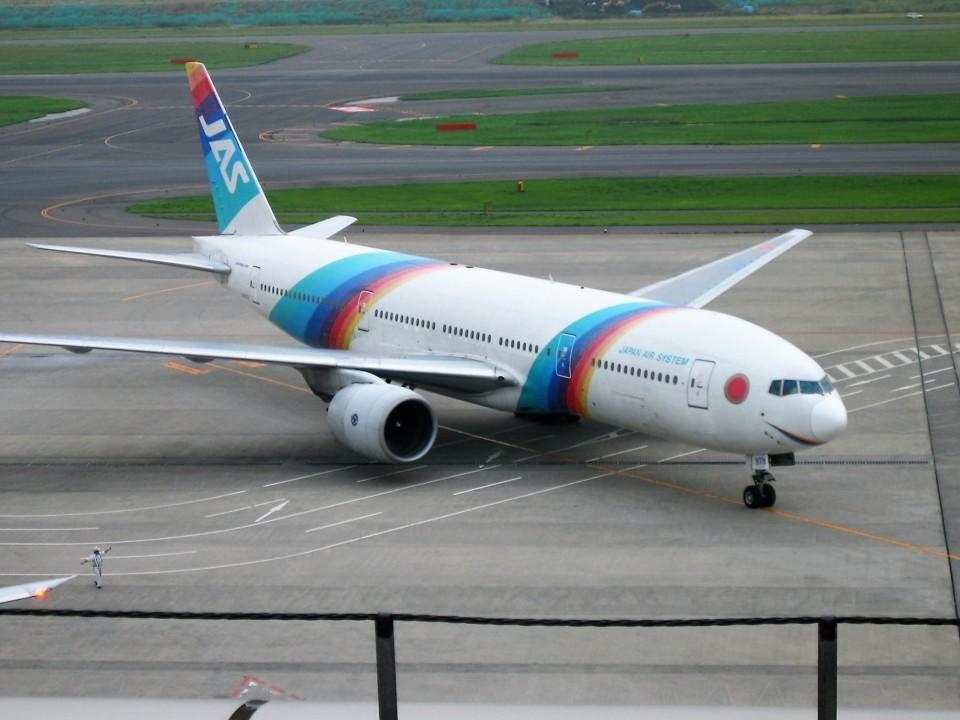 オキシドールさんの日本エアシステム Boeing 777-200 (JA8979) 航空フォト