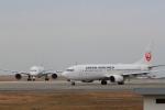 サボリーマンさんが、松山空港で撮影した日本航空 737-846の航空フォト(飛行機 写真・画像)