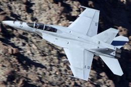 Ryan-airさんが、Rainbow Canyon - Panamint Springsで撮影したアメリカ海軍 F/A-18F Super Hornetの航空フォト(写真)