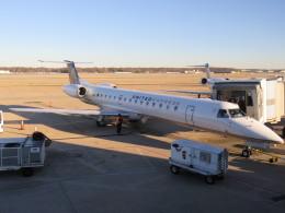 夷月さんが、メンフィス国際空港で撮影したユナイテッド・エクスプレス ERJ-145LRの航空フォト(飛行機 写真・画像)