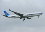 じーく。さんが、台湾桃園国際空港で撮影した中国南方航空 A330-343Xの航空フォト(写真)