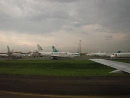 bigheadさんが、スカルノハッタ国際空港で撮影したバタビア航空 737-2M8/Advの航空フォト(飛行機 写真・画像)