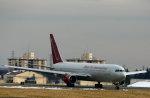 take_2014さんが、横田基地で撮影したオムニエアインターナショナル 767-33A/ERの航空フォト(写真)