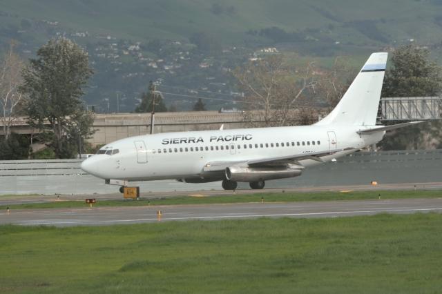 小弦さんが、ノーマン・Y・ミネタ・サンノゼ国際空港で撮影したシエラ・パシフィック航空 737-2T4/Advの航空フォト(飛行機 写真・画像)