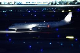 tsubasa0624さんが、羽田空港で撮影したアメリカ個人所有 ERJ-190-100 ECJ (Lineage 1000)の航空フォト(飛行機 写真・画像)