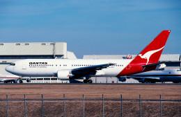 サンドバンクさんが、成田国際空港で撮影したカンタス航空 767-238/ERの航空フォト(飛行機 写真・画像)