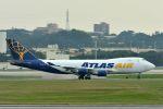 うめやしきさんが、嘉手納飛行場で撮影したアトラス航空 747-47UF/SCDの航空フォト(写真)