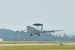 うめやしきさんが、嘉手納飛行場で撮影したアメリカ空軍 E-3C Sentry (707-300)の航空フォト(飛行機 写真・画像)