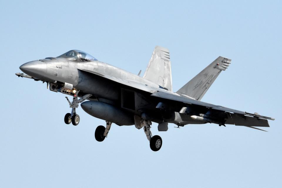 tsubasa0624さんのアメリカ海軍 Boeing F/A-18 (168362) 航空フォト