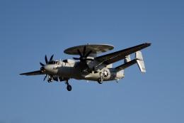 tsubasa0624さんが、厚木飛行場で撮影したアメリカ海軍 E-2C Hawkeyeの航空フォト(飛行機 写真・画像)