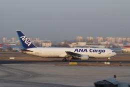 TAOTAOさんが、青島流亭国際空港で撮影した全日空 767-381/ER(BCF)の航空フォト(飛行機 写真・画像)