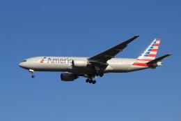 kenzy201さんが、成田国際空港で撮影したアメリカン航空 777-223/ERの航空フォト(写真)