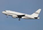 じーく。さんが、羽田空港で撮影したコンステレーション・アヴィエーション・サービシーズ A318-112 CJ Eliteの航空フォト(飛行機 写真・画像)