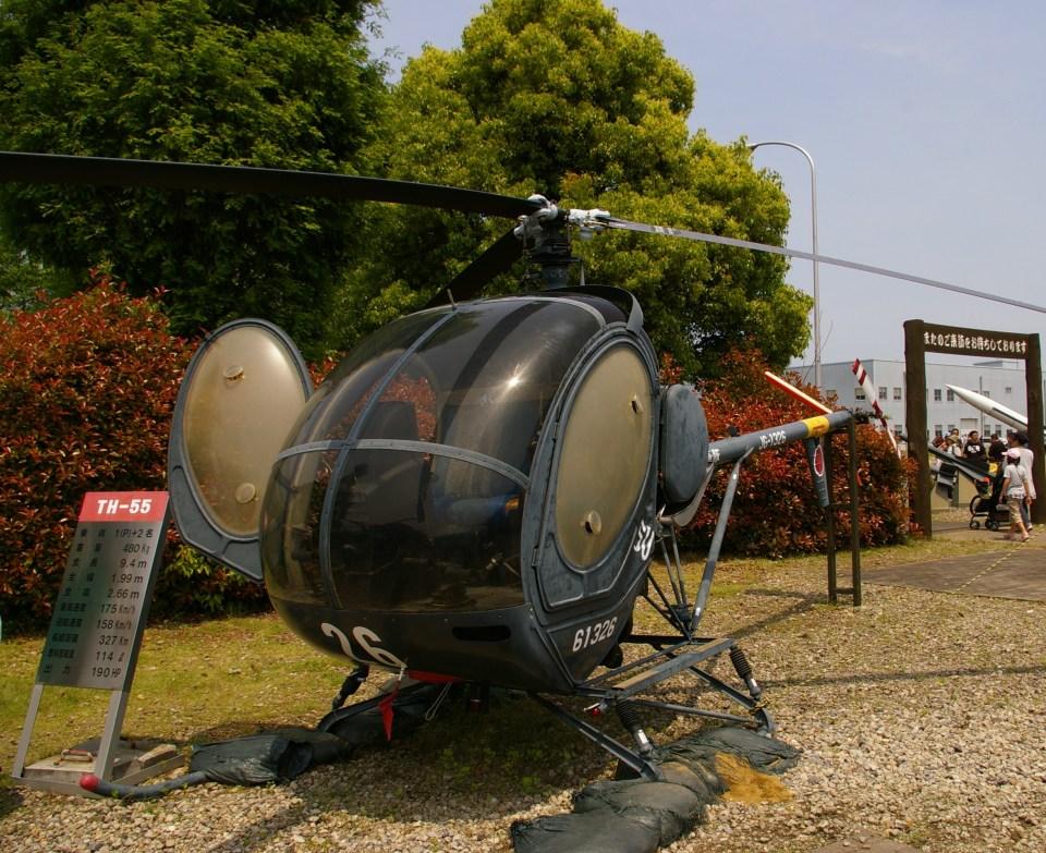 Smyth Newmanさんの陸上自衛隊 Kawasaki TH-55 (61326) 航空フォト