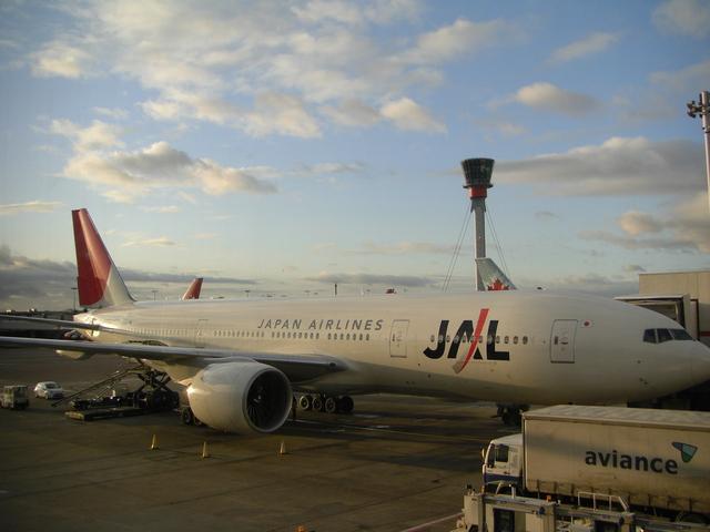 日本航空 Boeing 777-200 JA704J...