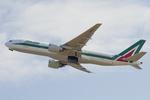 Scotchさんが、関西国際空港で撮影したアリタリア航空 777-243/ERの航空フォト(飛行機 写真・画像)