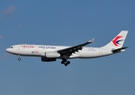 じーく。さんが、成田国際空港で撮影した中国東方航空 A330-243の航空フォト(飛行機 写真・画像)