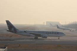 ジャコビさんが、関西国際空港で撮影したカタール航空 A330-202の航空フォト(飛行機 写真・画像)