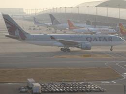 STARWARSJA873Aさんが、関西国際空港で撮影したカタール航空 A330-202の航空フォト(飛行機 写真・画像)