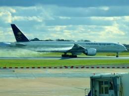 ▲®さんが、マンチェスター空港で撮影したサウディア 777-368/ERの航空フォト(飛行機 写真・画像)