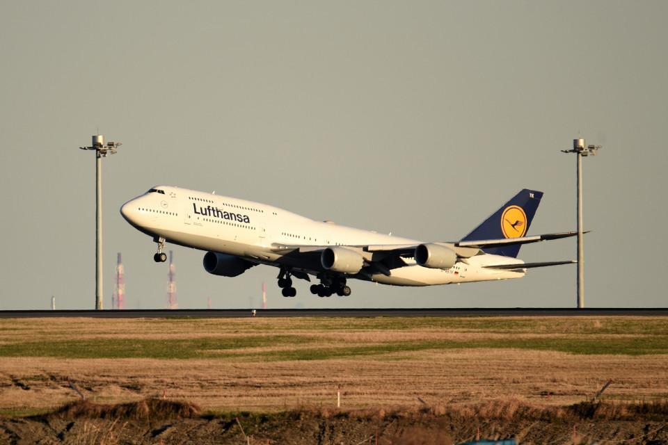 tsubasa0624さんのルフトハンザドイツ航空 Boeing 747-8 (D-ABYK) 航空フォト