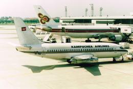 JA8037さんが、ドンムアン空港で撮影したカンプチア航空 737-2P5/Advの航空フォト(飛行機 写真・画像)