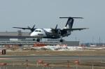 北の熊さんが、新千歳空港で撮影したオーロラ DHC-8-201Q Dash 8の航空フォト(写真)