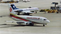 twinengineさんが、フランクフルト国際空港で撮影したリトアニア航空 737-2T4/Advの航空フォト(飛行機 写真・画像)