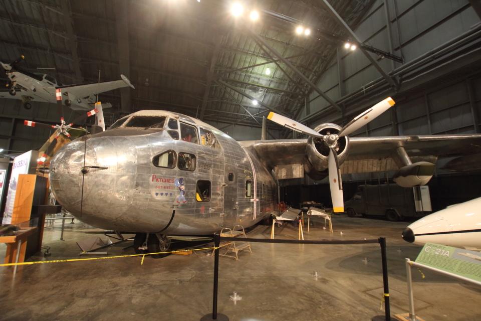 Koenig117さんのアメリカ空軍 Fairchild C-123 Provider (56-4362) 航空フォト