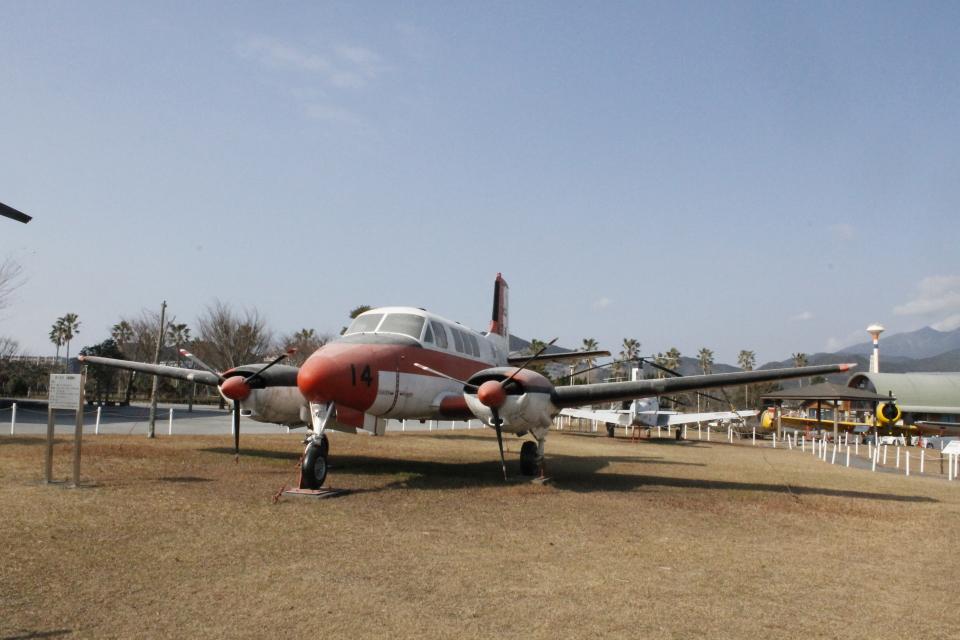 ジャンクさんの海上自衛隊 Beechcraft Queen Air (6714) 航空フォト