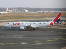 アイスコーヒーさんが、フランクフルト国際空港で撮影したエールフランス・オップ! ERJ-190-100 LR (ERJ-190LR)の航空フォト(飛行機 写真・画像)