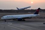 tsubasa0624さんが、成田国際空港で撮影したデルタ航空 777-232/ERの航空フォト(写真)