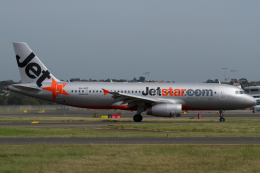 よっしぃさんが、シドニー国際空港で撮影したジェットスター A320-232の航空フォト(飛行機 写真・画像)