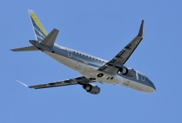 ジョンソンさんが、福岡空港で撮影したフジドリームエアラインズ ERJ-170-200 (ERJ-175STD)の航空フォト(飛行機 写真・画像)