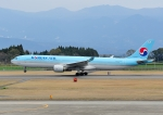 じーく。さんが、鹿児島空港で撮影した大韓航空 A330-323Xの航空フォト(飛行機 写真・画像)