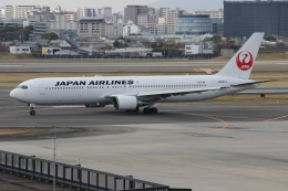 uhfxさんが、伊丹空港で撮影した日本航空 767-346/ERの航空フォト(飛行機 写真・画像)
