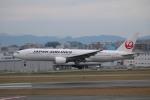 てくてぃーさんが、福岡空港で撮影した日本航空 777-289の航空フォト(写真)