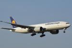 LEGACY-747さんが、成田国際空港で撮影したルフトハンザ・カーゴ 777-FBTの航空フォト(写真)