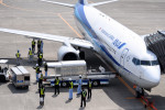 tsubasa0624さんが、小松空港で撮影した全日空 737-881の航空フォト(飛行機 写真・画像)