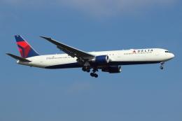 kenzy201さんが、ロンドン・ヒースロー空港で撮影したデルタ航空 767-432/ERの航空フォト(飛行機 写真・画像)