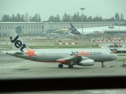 ぺペロンチさんが、シンガポール・チャンギ国際空港で撮影したジェットスター・アジア A320-232の航空フォト(飛行機 写真・画像)