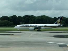 ぺペロンチさんが、シンガポール・チャンギ国際空港で撮影したシンガポール航空 777-212/ERの航空フォト(飛行機 写真・画像)