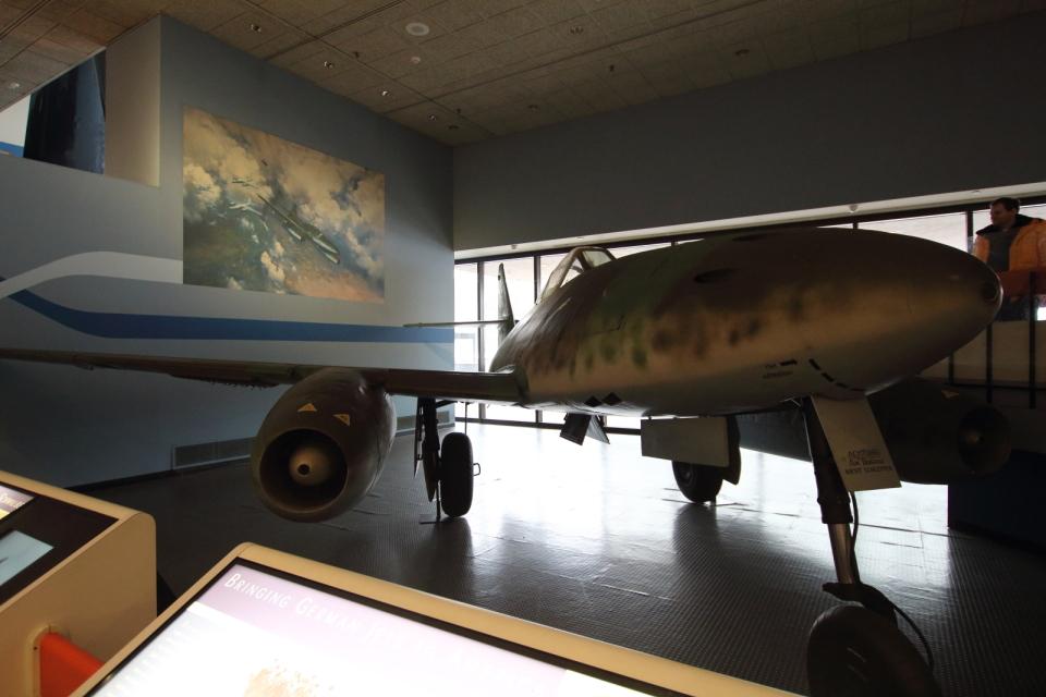 Koenig117さんのドイツ空軍 Messerschmitt Me 262 Schwalbe (500491) 航空フォト