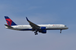 パンダさんが、成田国際空港で撮影したデルタ航空 757-26Dの航空フォト(写真)
