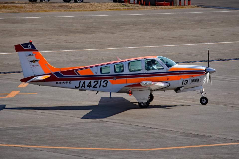 tsubasa0624さんの航空大学校 Beechcraft 36 Bonanza (JA4213) 航空フォト