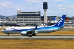 Kuuさんが、伊丹空港で撮影した全日空 737-881の航空フォト(飛行機 写真・画像)