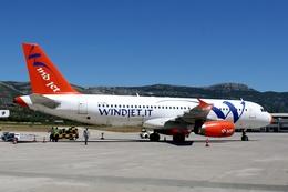 kinsanさんが、スプリト空港で撮影したウインド・ジェット A320-231の航空フォト(飛行機 写真・画像)