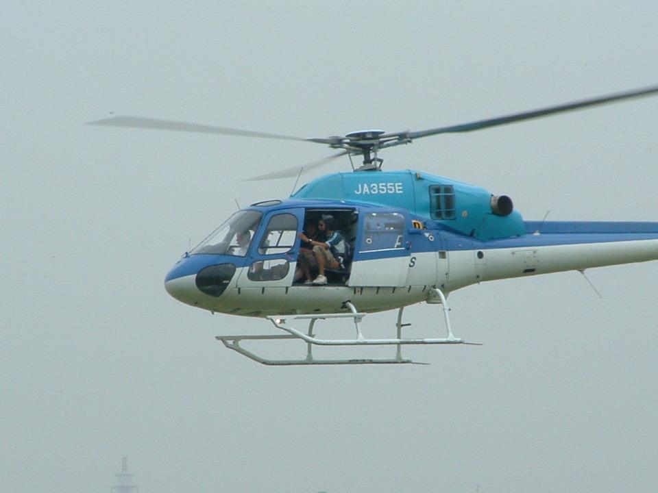 空とぶイルカさんのエクセル航空 Eurocopter AS355 Ecureuil 2/TwinStar (JA355E) 航空フォト