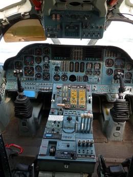 aviaさんが、ポルタバで撮影したソ連空軍→ウクライナ空軍→民間人所有 Tu-160の航空フォト(飛行機 写真・画像)