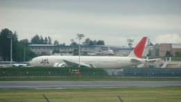 航空フォト:N1794B ボーイング 777-300